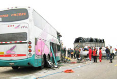 accident in Peru between 2 buses