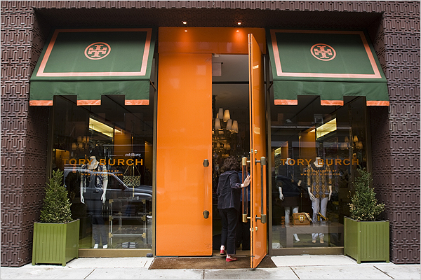 Tory Burch has build an empire in just a few years, they have 16 free-standing Tory Burch boutiques across the US, and over 400 select department and specialty stores worldwide.