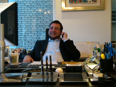 A friend of the Obstfeld family told Haaretz on Sunday that Obstfeld, 55, was murdered as the result of a conflict with an Israeli rabbi who had cast a 'pulsa denura' death curse on Obstfeld.