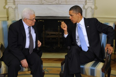 President Barack Obama (R) holds a bilateral meeting with President Mahmoud Abbas (L) of the Palestinian Authority in the Oval Office of the White House in Washington DC, USA, 09 June 2010.  Obama is expected to urge Abbas to agree to direct talks with Israel as a partial ten-month moratorium on new West Bank settlement construction is currently due to expire in September 2010.  EPA/MICHAEL REYNOLDS
