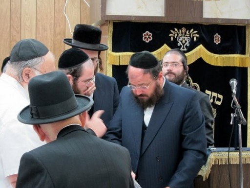 Rabbi Yaakov Horowitz answering qustions to participants who attended his seminar at Tri-Star summer Bungalow colony in Woodbourne, NY on July 24 2011. Rabbi Horowitz is calling for a Yom Tefilah to pray for peace after Israeli zealots caused a major Chilul Hashem in the media