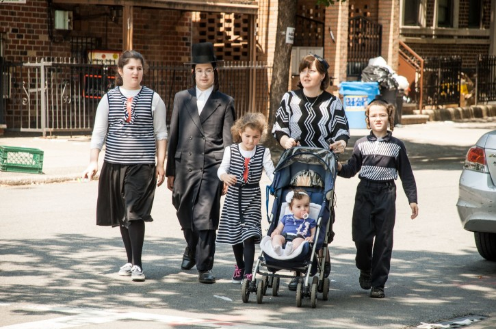 Hasidic Jews, prominent in Brooklyn, say they have learned to live comfortably in all seasons with their attire, as dictated by tradition. Photo: stefano giovannini.