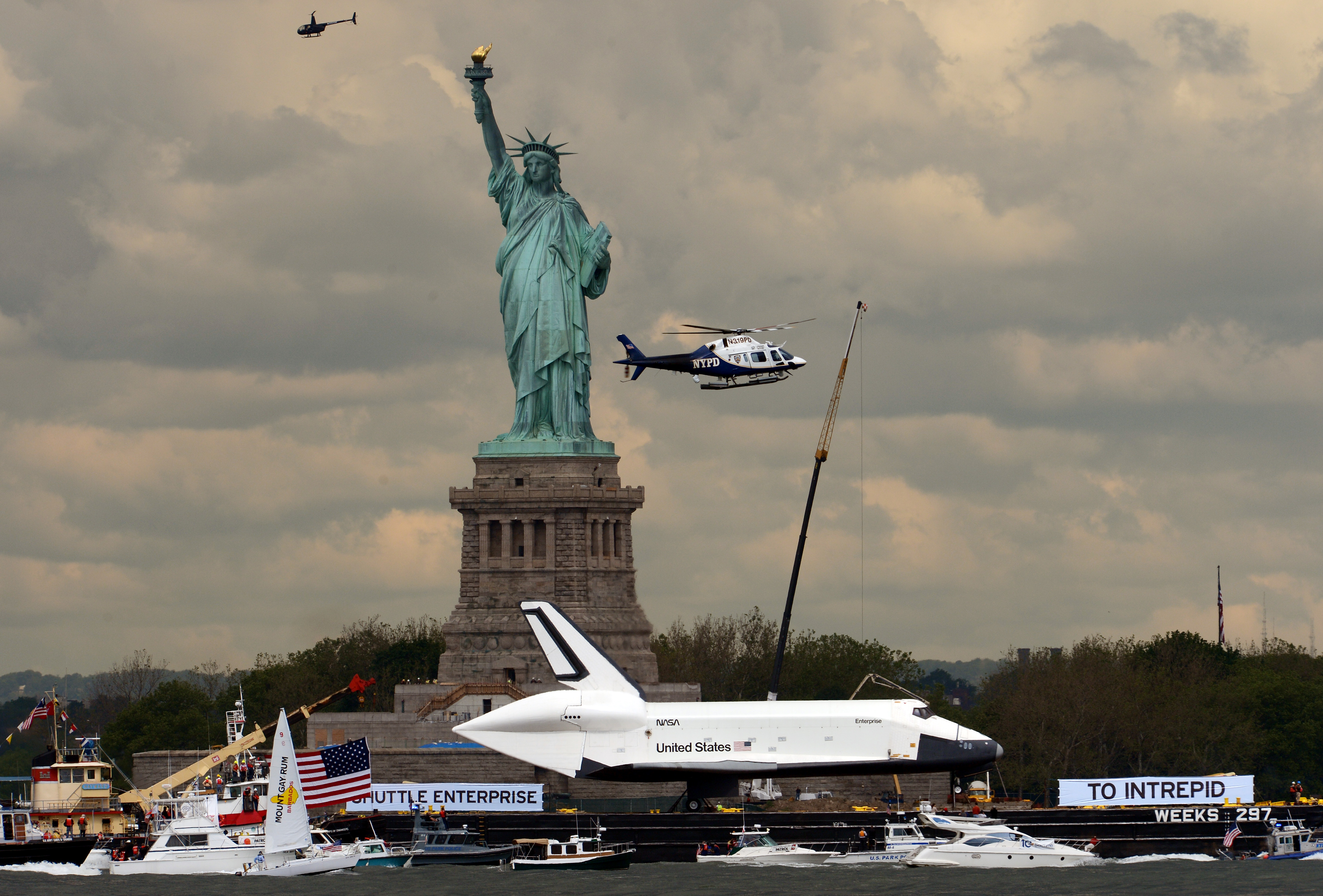 space shuttle enterprise in nyc - photo #11