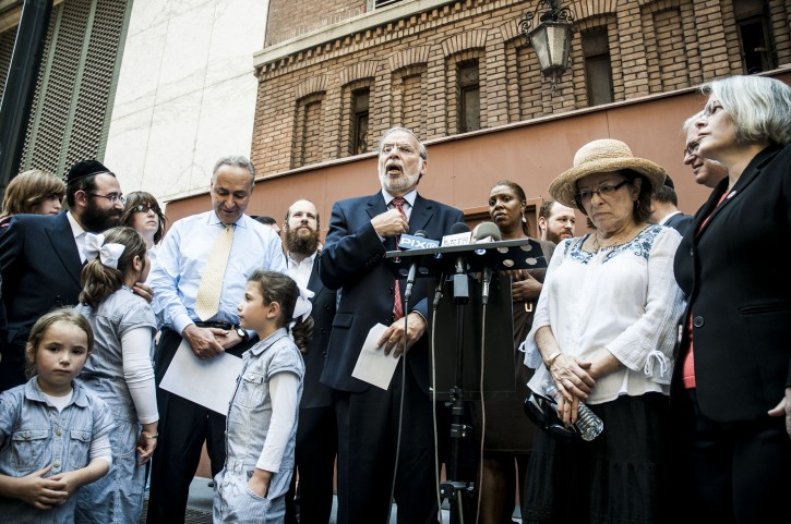 Assemblyman Dov Hikind (D-Brooklyn) lead elected officials in demanding justice for Jacob Ostreicher, a Borough Park (Brooklyn) resident who has been incarcerated in Bolivia for more than a year without being charged with a crime.Photo by Stefano Giovannini