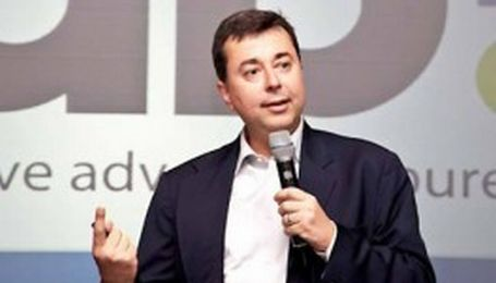 A regional judge has ordered the arrest of Google's president in Brazil, Fabio Jose Silva Coelho, after the company failed to take down Youtube videos.