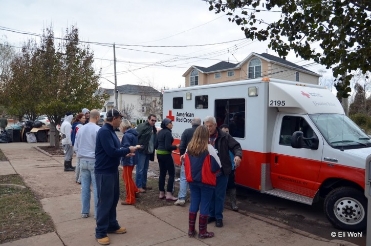 Residents lining up to receive meals from the American Red Cross following Hurricane Sandy in Midland Beach, Staten Island, USA, 03 November 2012. Eli Wohl/VINNews