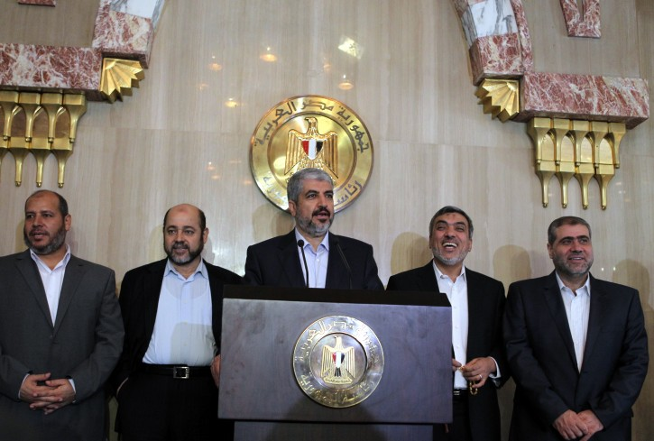 Palestinian Hamas political bureau chief Khaled Meshaal (C) speaks during a press conference after a meeting with Egyptian President Mohamed Morsi at the presidential palace, in Cairo, Egypt, on 19 July 2012. EPA