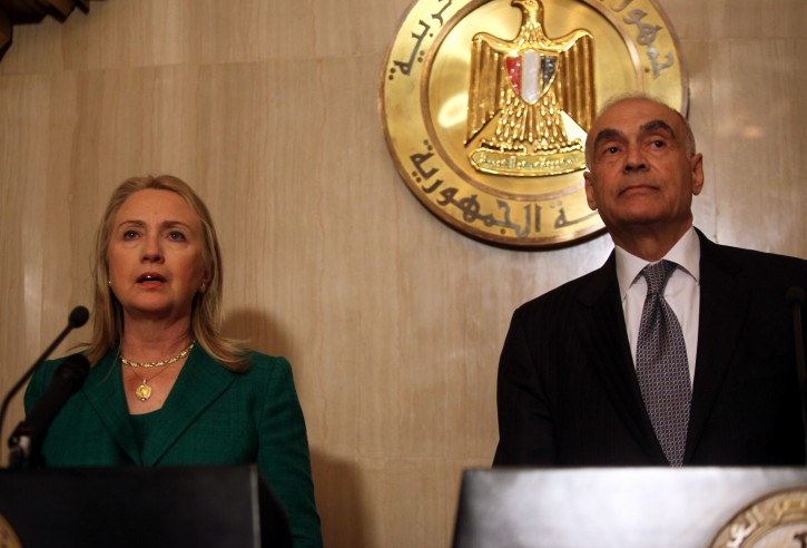 US Secretary of State Hillary Rodham Clinton (L) and Egyptian Foreign Minister Mohammed Kamel Amr (R) are seen during a joint press conference, in Cairo, Egypt, 21 November 2012. Media reports state that Egyptian Foreign Minister Mohammed Kamel Amr said a ceasefire agreement has been reached between Israel and Hamas after eight days of fighting. The truce is to commence at 1900 GMT.  EPA/KHALED ELFIQI
