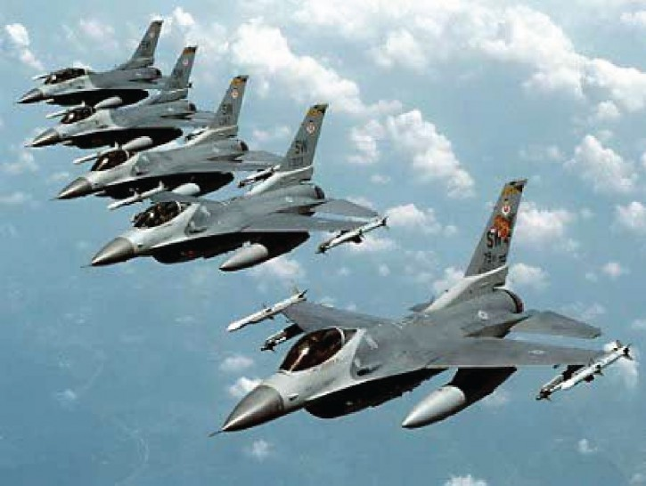 Five U.S. Air Force F-16 ''Fighting Falcon'' jets in this undated file photograph.<br /> Credit: Reuters/USAF/Staff Sgt. Greg L. Davis/Handout/Files