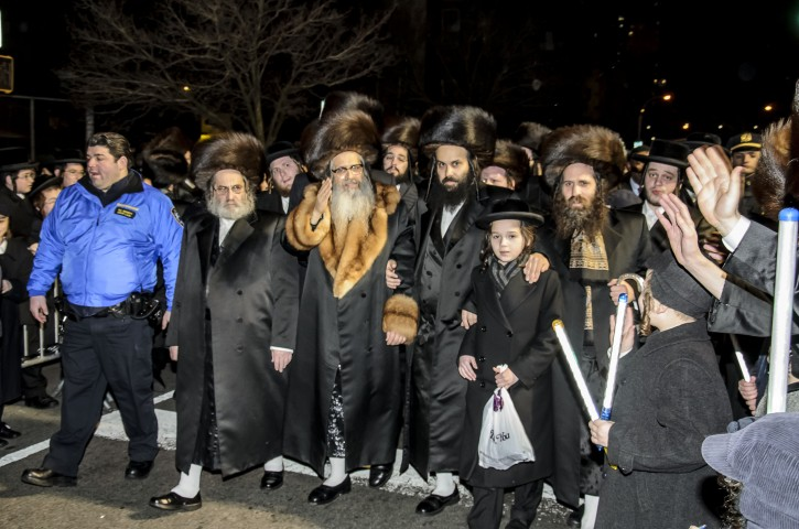 Satmar Rebbe of Williamsburg, Rabbi Zalman Leib Teitelbaum On Bedford Ave. in Williamsburg section of Brooklyn, NY, getting well wishes from his Chasidim before leaving to Israel on Jan 19 2013. (Photo by Stefano Giovannini)