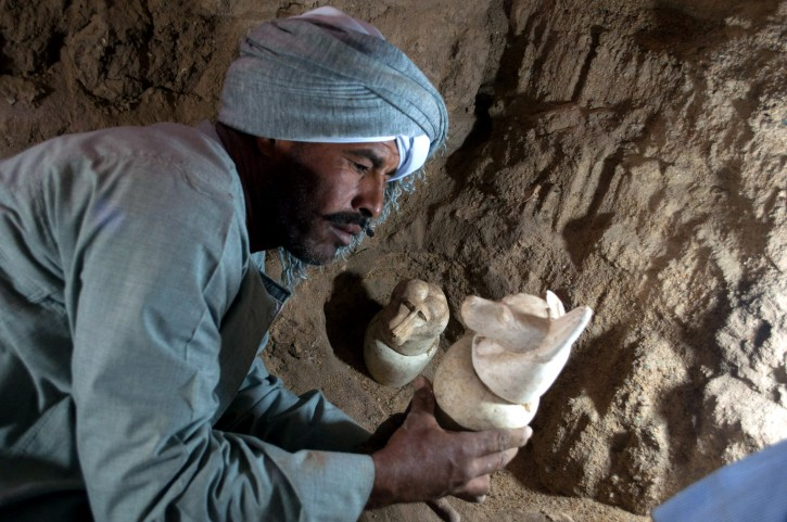 Canopic jars discovered inside a temple of Pharaoh Amenhotep II, in Luxor, Egypt. EPA/EGYPTIAN ANTIQUITIES MINISTRY