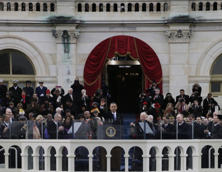 President Barack Obama (C) waves after his speech at the ceremonial swearing-in at the U.S. Capitol during the 57th Presidential Inauguration in Washington, DC, 21 January 2013. EPA/SCOTT ANDREWS / POOL
