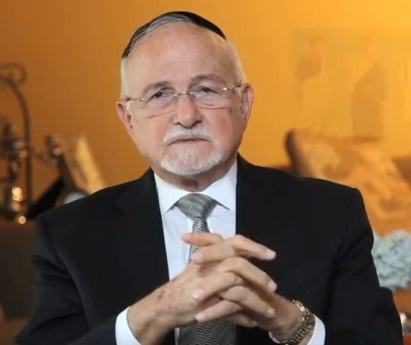 Rabbi Brener is the chief Rabbi and is affiliated with the Unión Israelita de Caracas an Orthodox Jewish org.