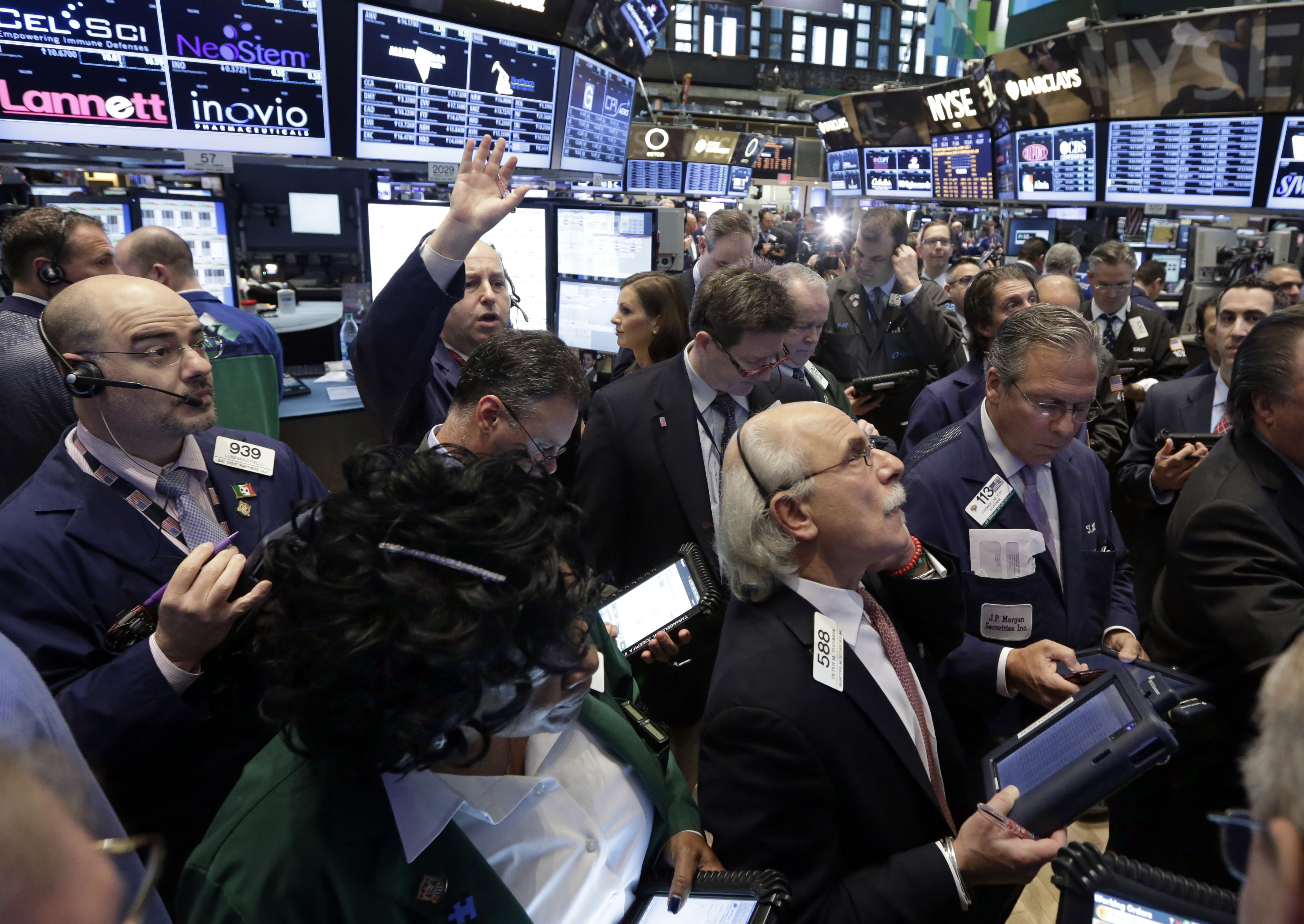 Wonderful Traders Gather At A Post On The Floor Of The New York Stock Exchange  Thursday,