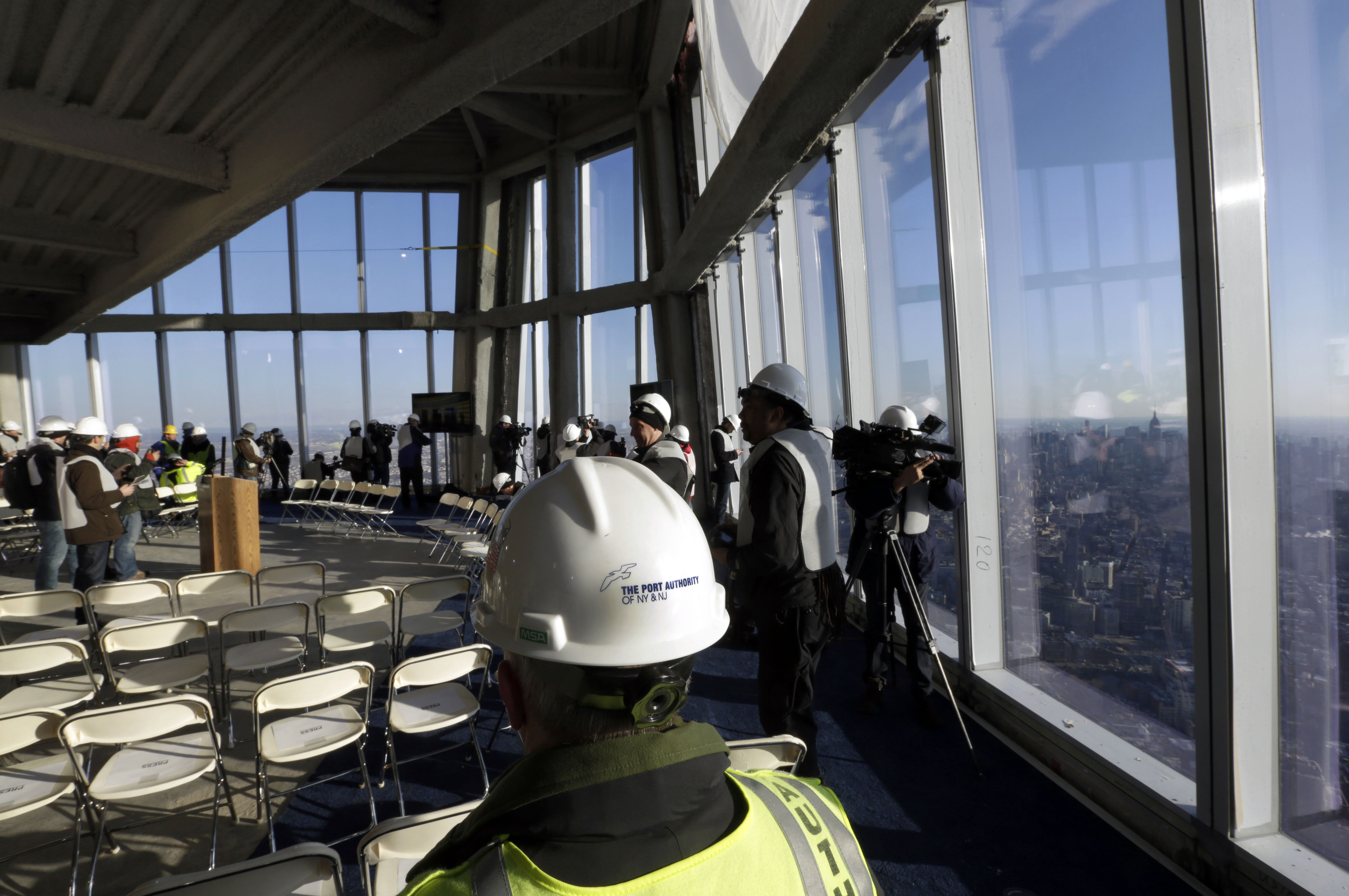 New york world trade center touts planned observation deck for 102nd floor