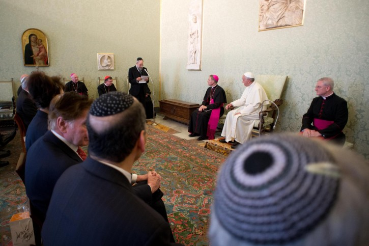 A handout image provided on 24 June 2013 by the Osservatore Romano shows Pope Francis (C) holding a private audience with the members of International Jewish Committee on Interreligious Consultations on June 24, 2013 at the Vatican.  EPA/OSSERVATORE ROMANO / HANDOUT