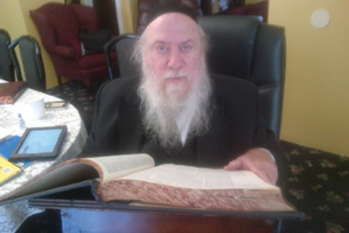 Rabbi Mendel Epstein, a Brooklyn rabbi who helps women obtain gets. (Five Towns Jewish Times)