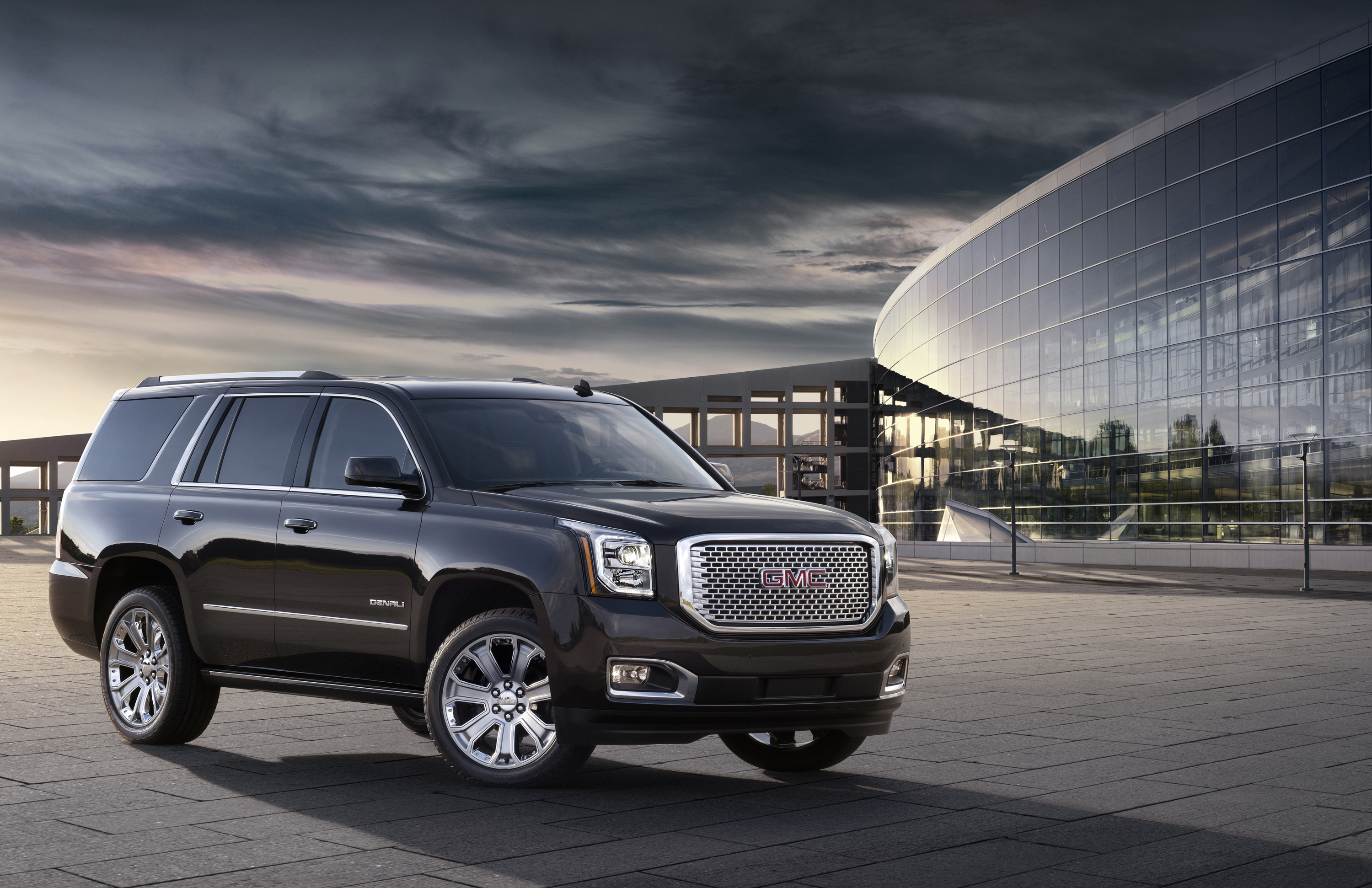 sterling heights mi big suvs rumble along as gm shows