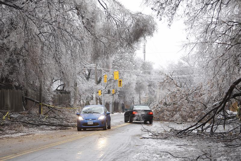 Toronto, Canada - Ice Storm Said To Be One Of The Worst In ...  Toronto, Canada...