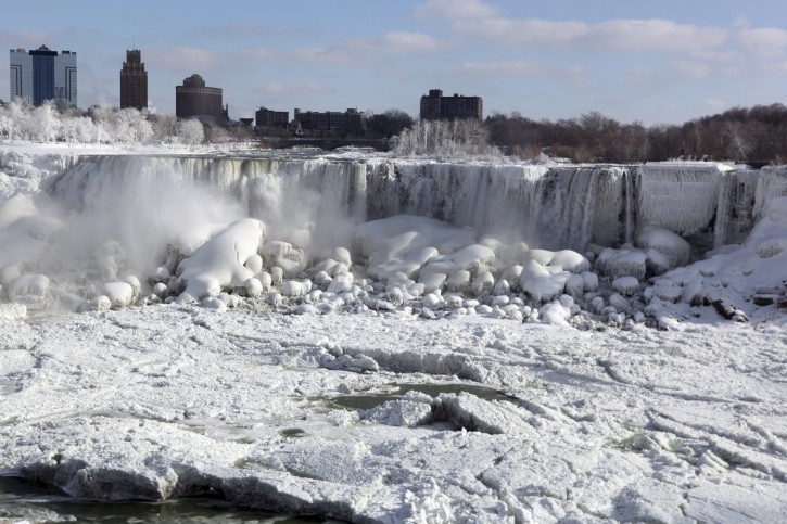 Ice and ice flows on the Canadian and US water falls at Niagara Falls, in the State of New York, USA, on 09 January 2014 following the recent cold weather that has moved across the United States midwest and northeast.  EPA/RICK WARNE