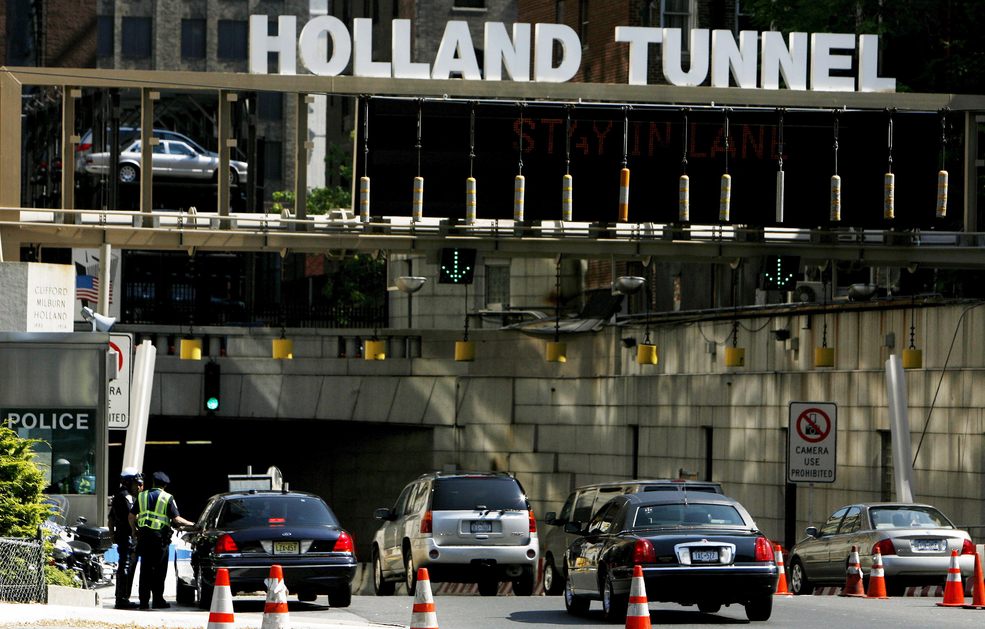 New York Port Authority Mulls Pay Hikes At All Facilities
