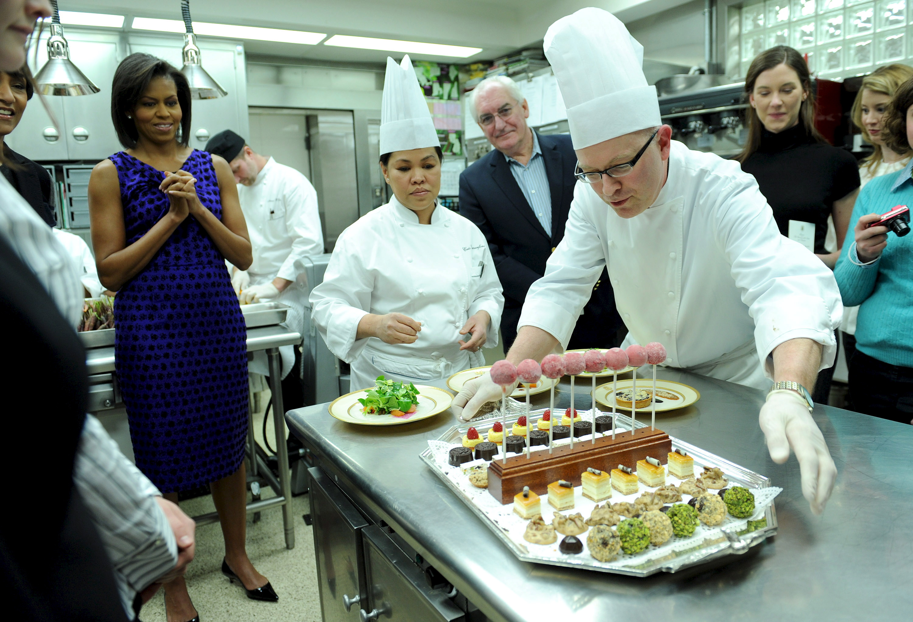 Washington - White House Losing Pastry Chef Bill Yosses In June