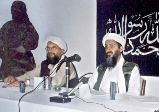 (FILES) Picture dated 26 May 1998 shows Saudi dissident and Al-Qaeda leader Osama Bin Laden (R) speaking at a news conference in Khost, southern Afghanistan, flanked by Egypt's Islamic leader Ayman Al-Zawahiri (C).EPA