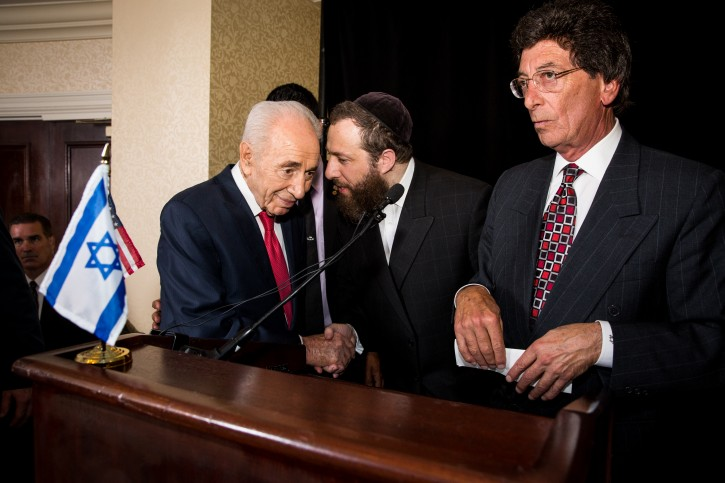 Ezra Friedlander talking with President Peres, Ronald Plotkin CEO of Directional Marketing at Monster Worldwide and member of the Republican Jewish Coalition's Board of Directors.