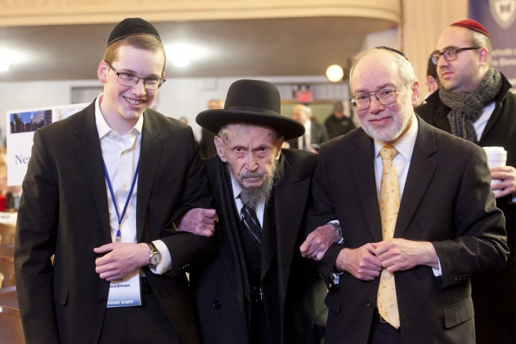 Rabbi Yankelewitz with a talmid and R' Chaim Bronstein (on the right)
