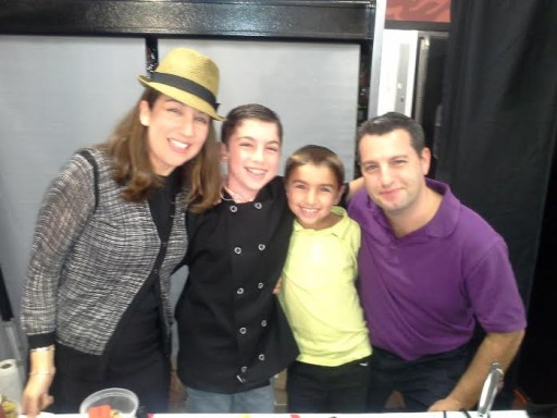 mom Sabrina, Eitan, brother Yoni, dad Jason