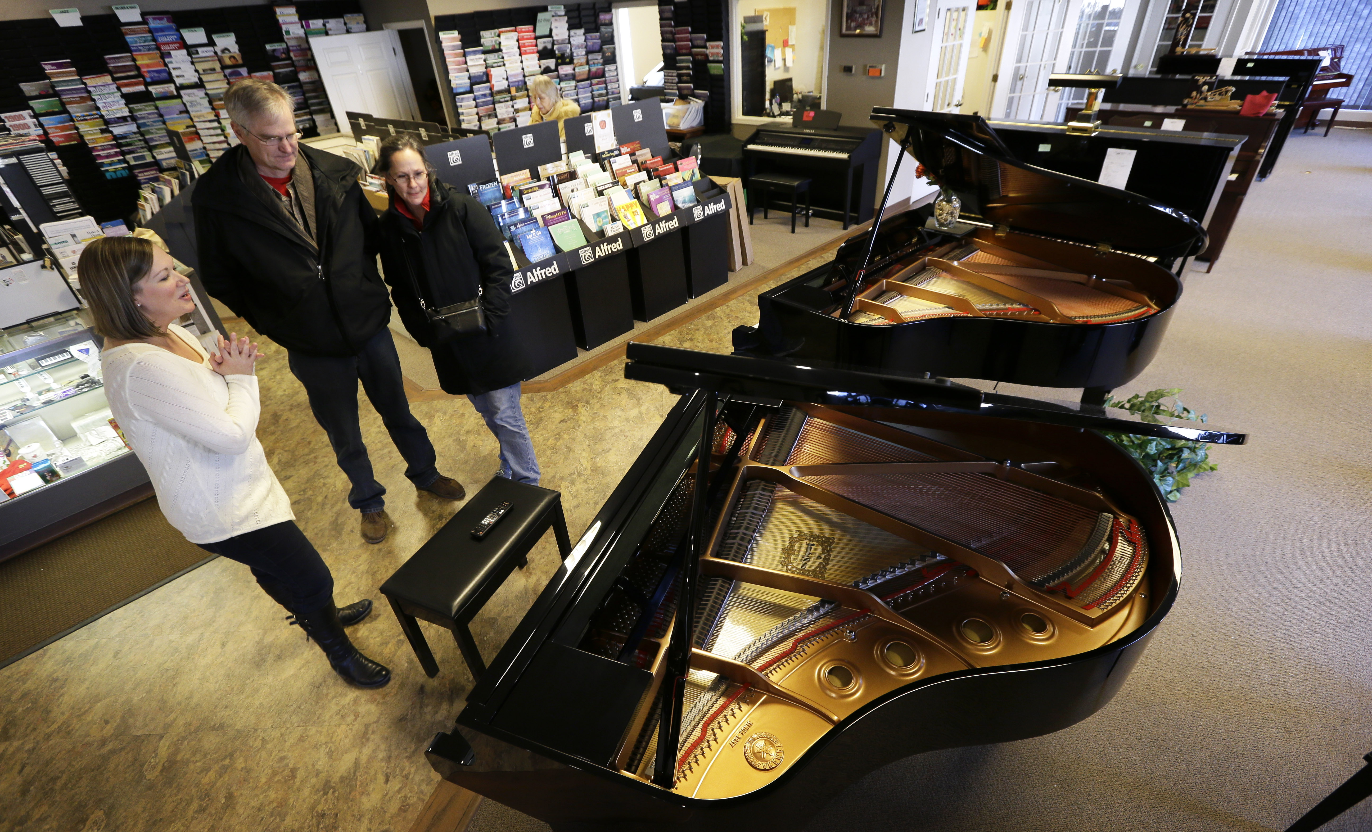 bettendorf ia piano stores closing as fewer children taking up instrument. Black Bedroom Furniture Sets. Home Design Ideas