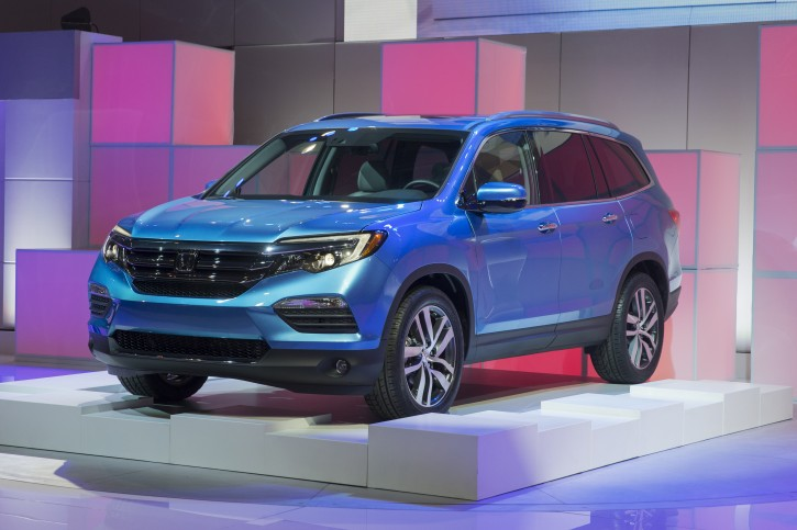 The 2016 Honda Pilot is unveiled during the media preview of the Chicago Auto Show at McCormick Place in Chicago, on Thursday, Feb. 12, 2015. The Chicago Auto Show will be open to the public from Feb. 14 through Feb. 22. (AP Photo/Andrew A. Nelles)