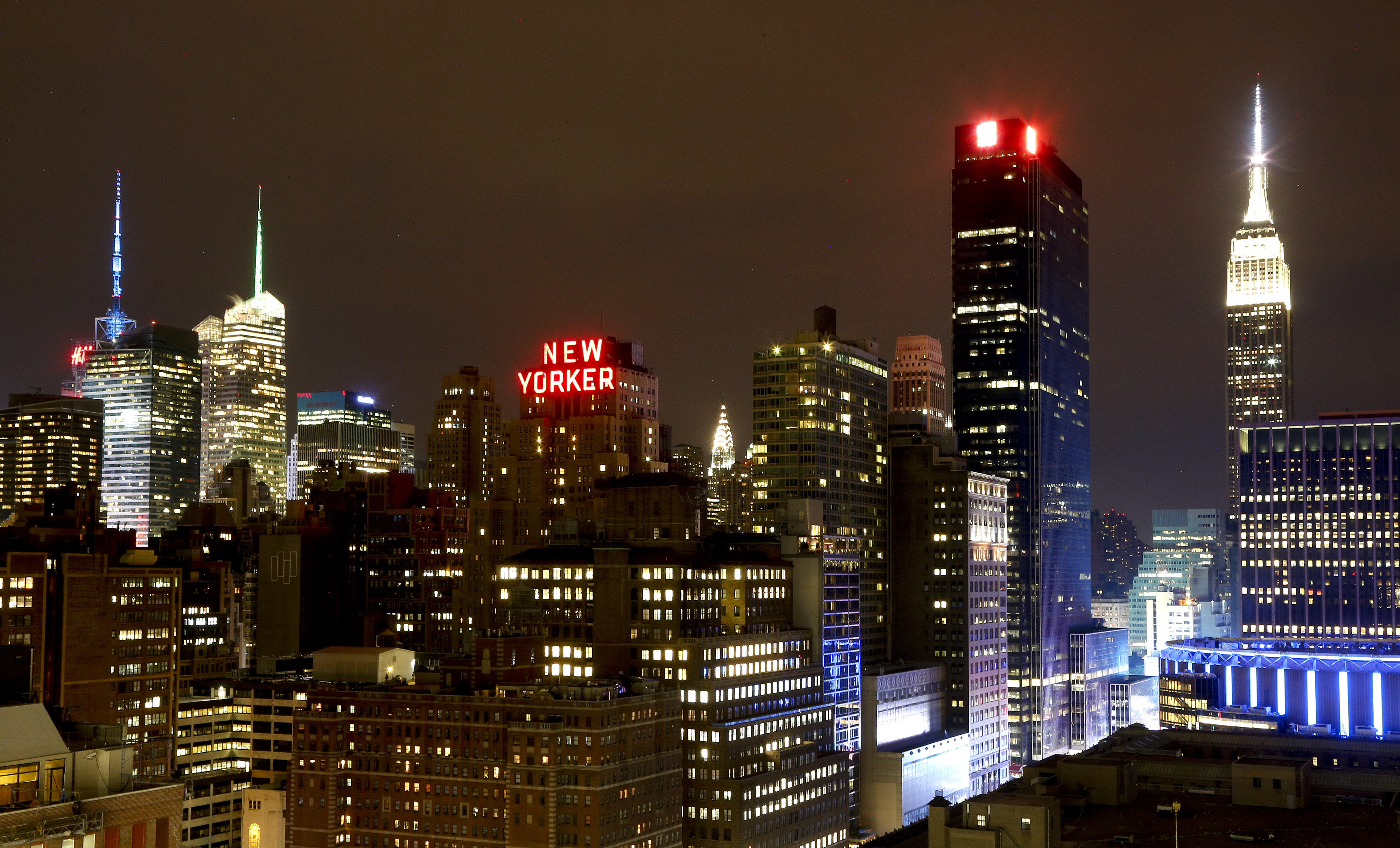 new york ny proposal seeks to dim nyc skyline at night. Black Bedroom Furniture Sets. Home Design Ideas