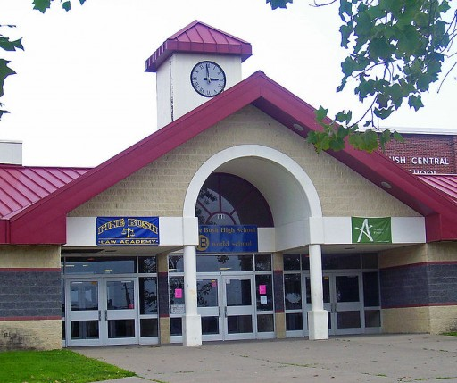 Main entrance of Pine Bush High School in Pine Bush, NY, USA. (Wikimedia)