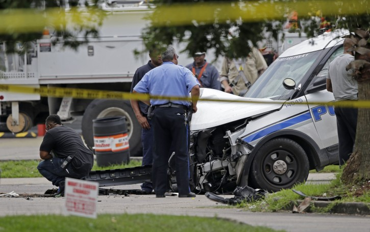 New Orleans – New Orleans Police Officer Killed While Transporting Suspect