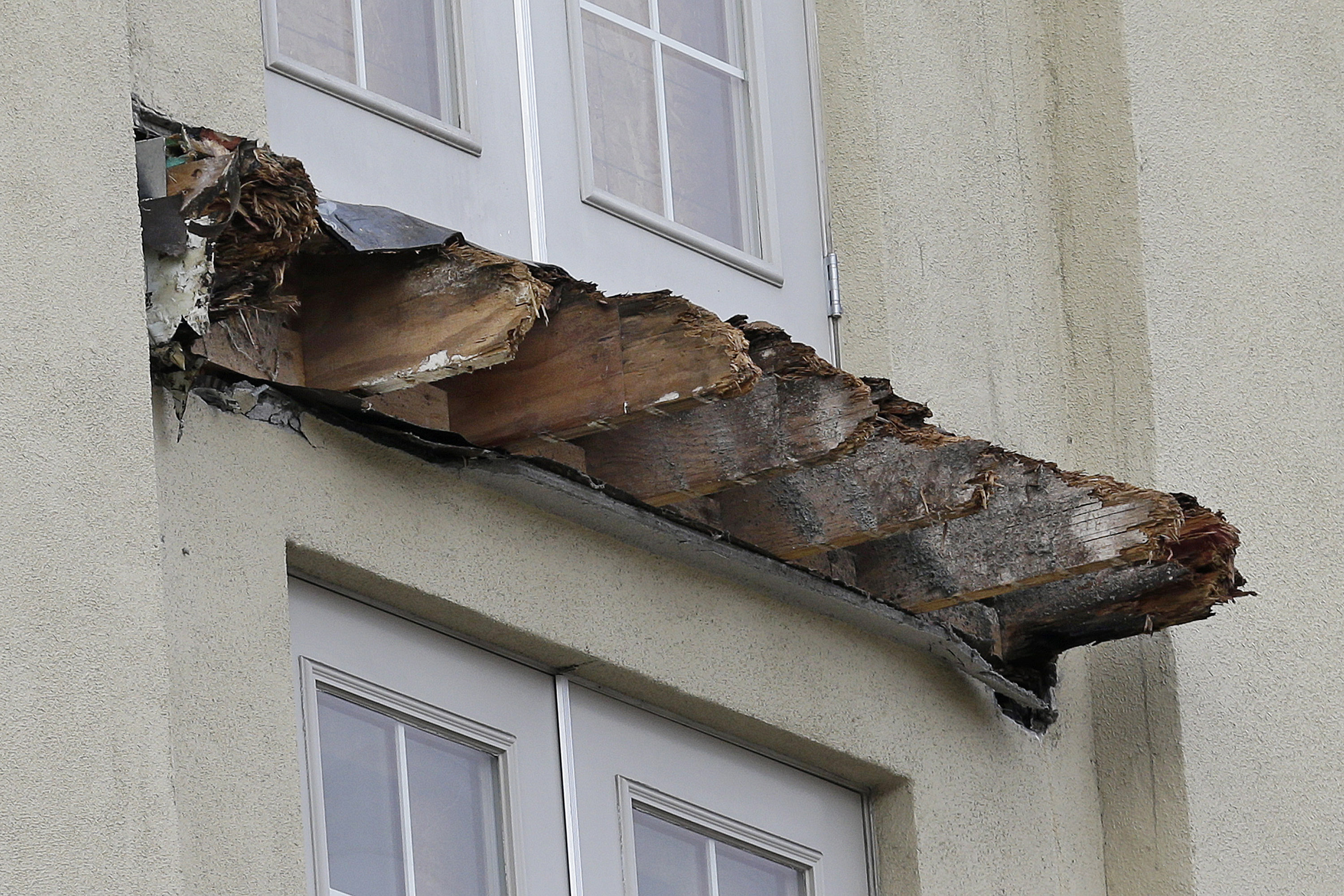 Berkeley, CA - Mayor: Deadly Balcony Collapse Tied To Rotted ...