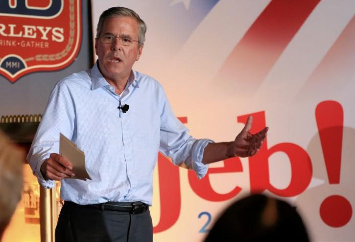 Iowa – Jeb Bush Slams Donald Trump For 'Rhetoric Of Divisiveness'