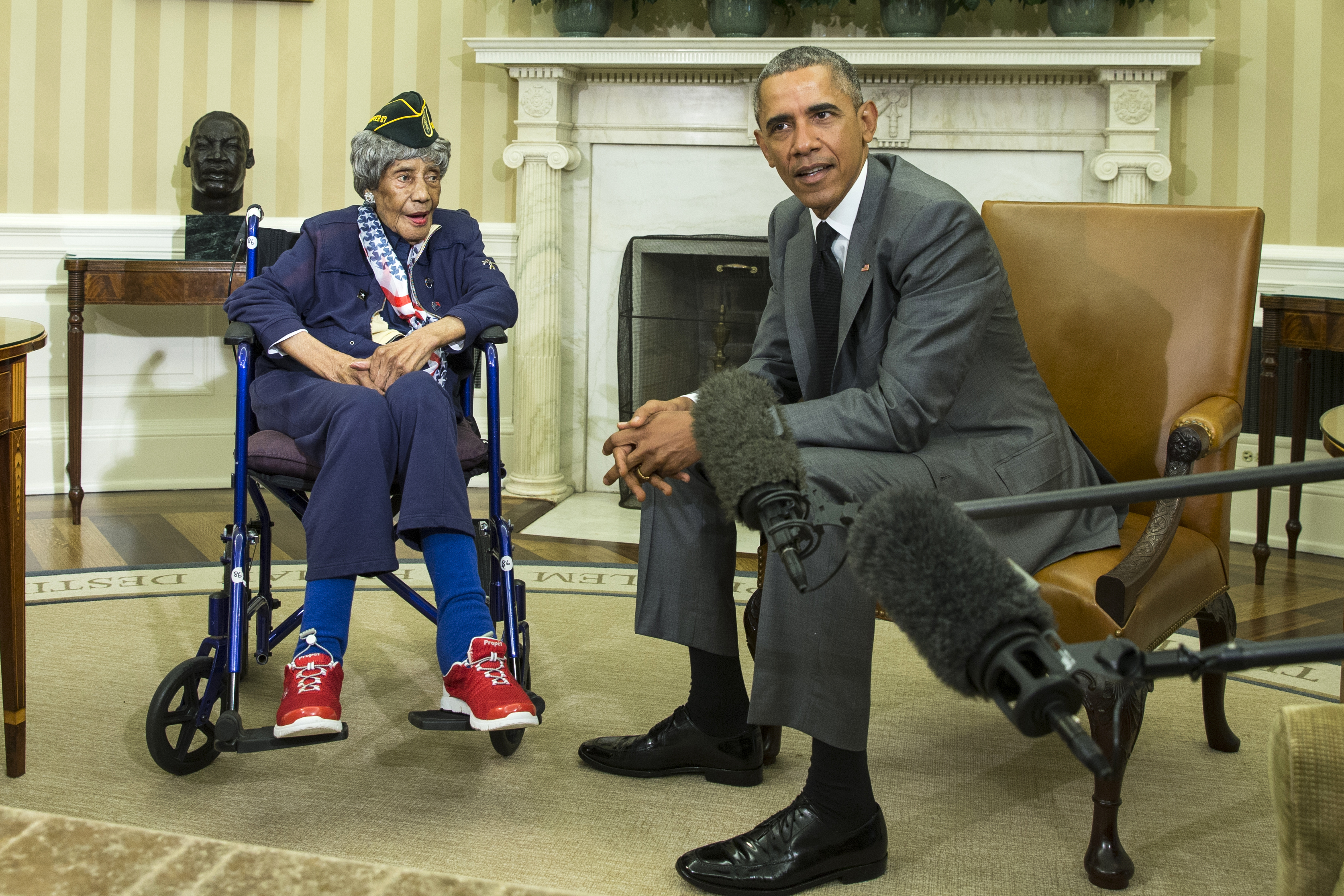 oval office july 2015. President Barack Obama Meets With Emma Didlake, 110, Of Detroit, The Oldest Known Oval Office July 2015 0