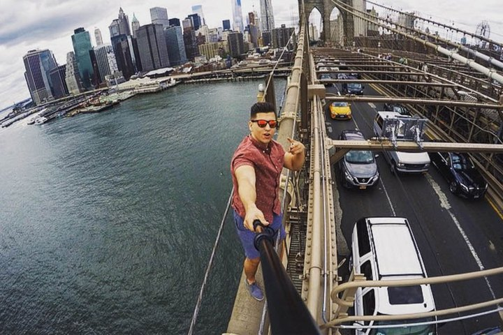 chattanooga tn man who climbed brooklyn bridge took selfie is arrested. Black Bedroom Furniture Sets. Home Design Ideas