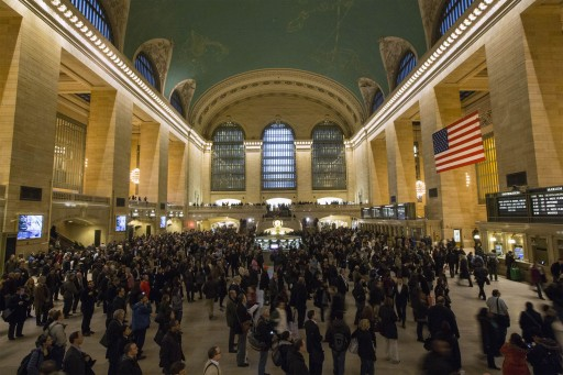 Metro North passengers wait for trains at Grand Central Terminal in New York, in this March 12, 2014, file photo. REUTERS/Brendan McDermid/Files