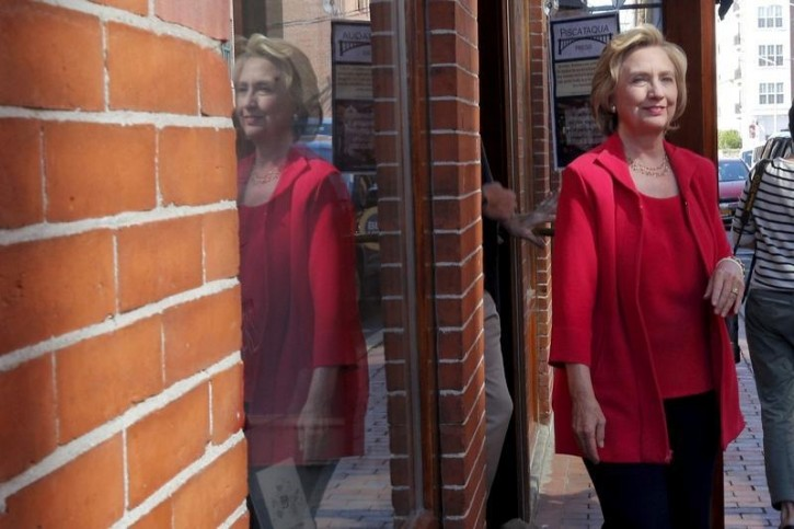 New Hampshire – Clinton Says She Paid Staffer To Maintain Private Email Server