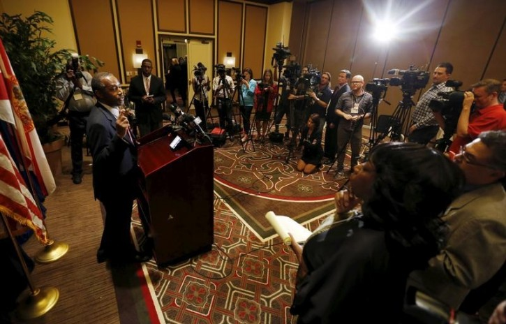 U.S. Republican presidential candidate Ben Carson reacts to a question about his past at a news conference before he delivers the keynote speech at the Black Republican Caucus of South Florida's scholarship gala at the PGA National Resort and Spa in Palm Beach Gardens, Florida November 6, 2015. REUTERS/Joe Skipper