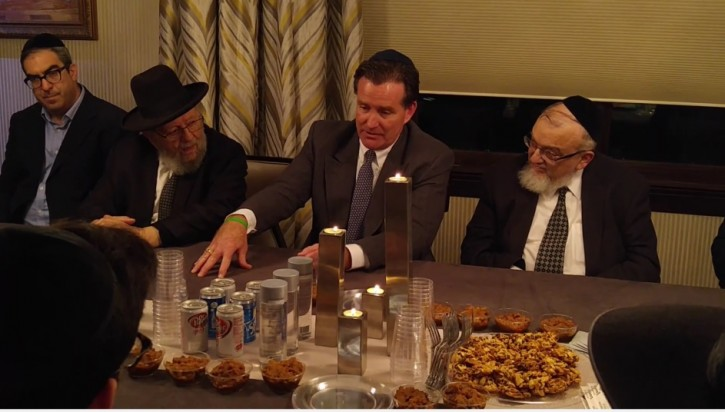 Senate majority leader John Flanagan met with Jewish community laders on Dec. 17, 2015 (courtesy)
