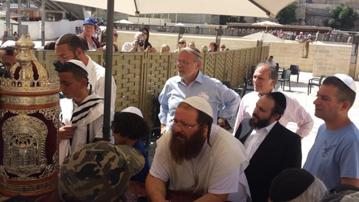 Assemblyman Dov Kikind is seen at the kotel during his recent trip to Israel (Hikind Twitter)