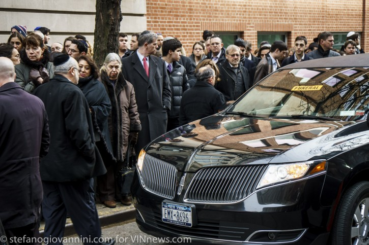 funeral of Daniella Moffson, 21, killed in a vehicle crash  in Honduras. Kehilath Jeshurun, Upper East Side, Manhattan, New York NY. photo by Stefano Giovannini