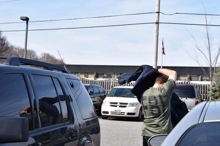 An FBI agent is seen in Rockland County, NY on Mar. 16, 2016 (Sandy Eller/VINnews.com)