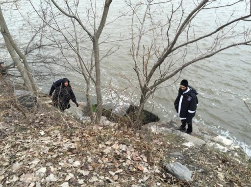 Volunteers at the edge of the GWB Feb. 25, 2016