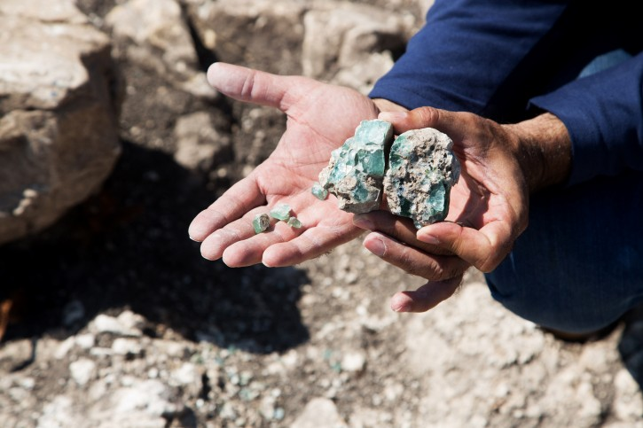 Small fragments of the raw glass as they were found at the site. (Shmuel Magal/Israel Antiquities Authority)