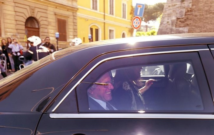 U.S. Democratic presidential candidate Bernie Sanders arrives with his wife Jane to participate in an event marking the 25th anniversary of a landmark encyclical by the late Pope John Paul on social and economic justice at the Vatican , April 15, 2016.    REUTERS/Stefano Rellandini -