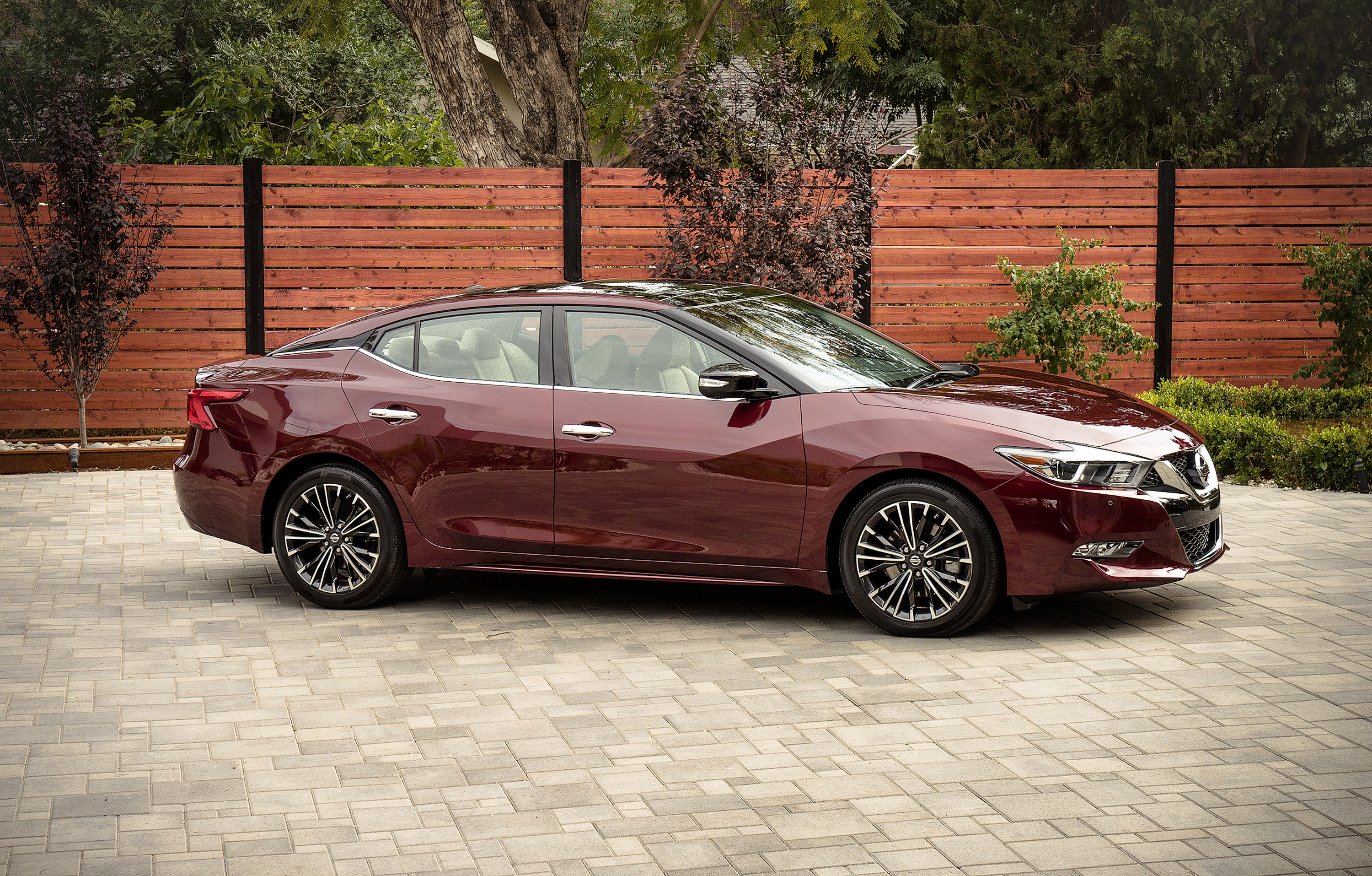 nissan cars review maxima autoevolution